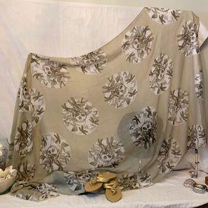 Skulls sarong